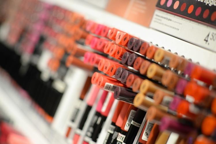 De nieuwste make-up bij jou thuisbezorgd.