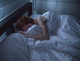 Zo voorkom je rugklachten na het slapen